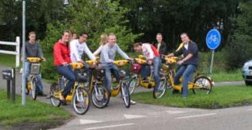 Grill en chill arrangement – Barbecue, fluisterfiets en rondvaart in Giethoorn
